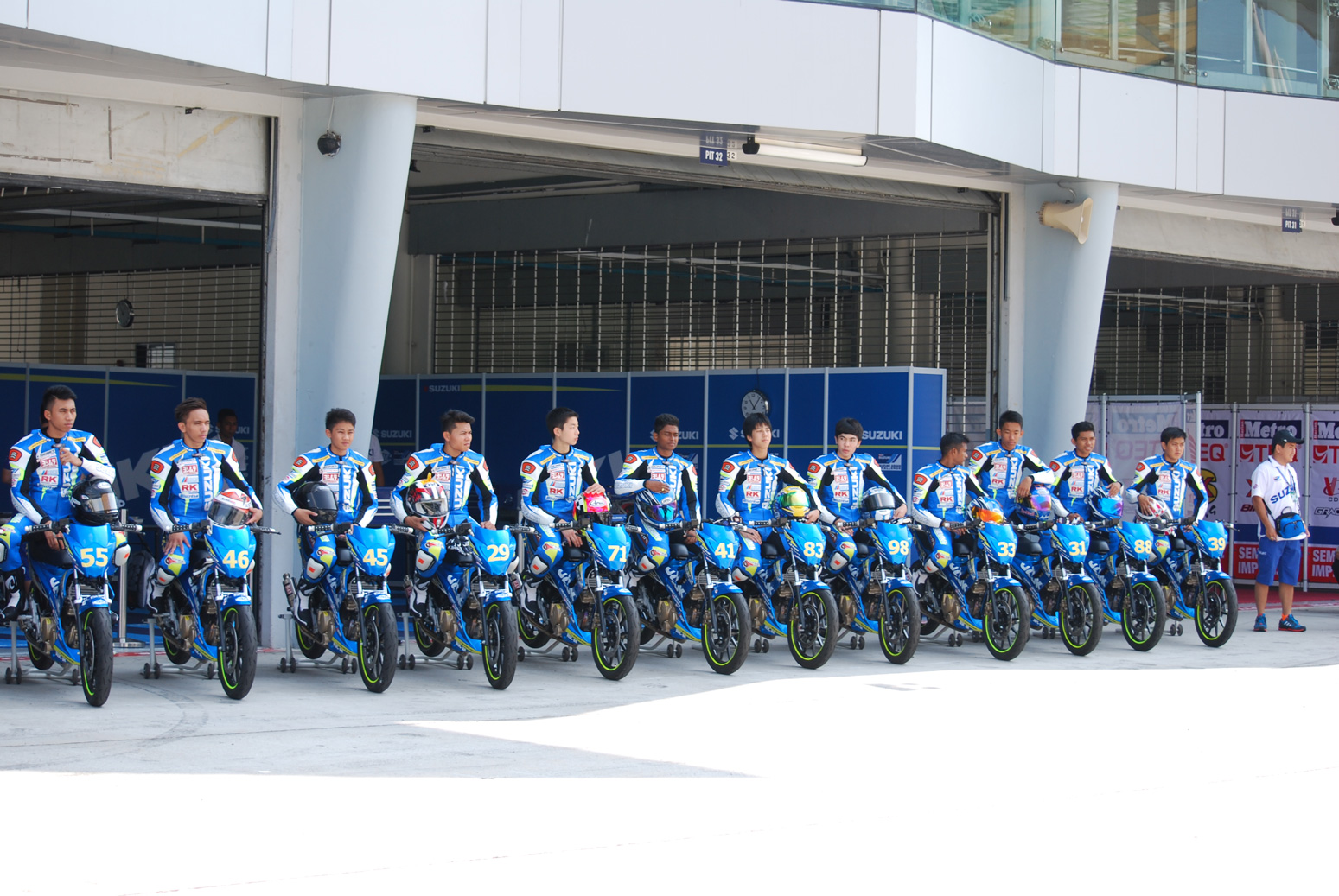 Group-Riders-2